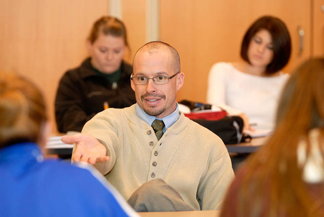 Teaching_and_Learning_Assistant_Professor_Matt_Marino_in_class_discussion