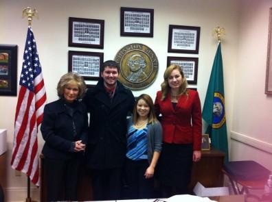 Dakota Renz (second from left, Hayley Hohman right)
