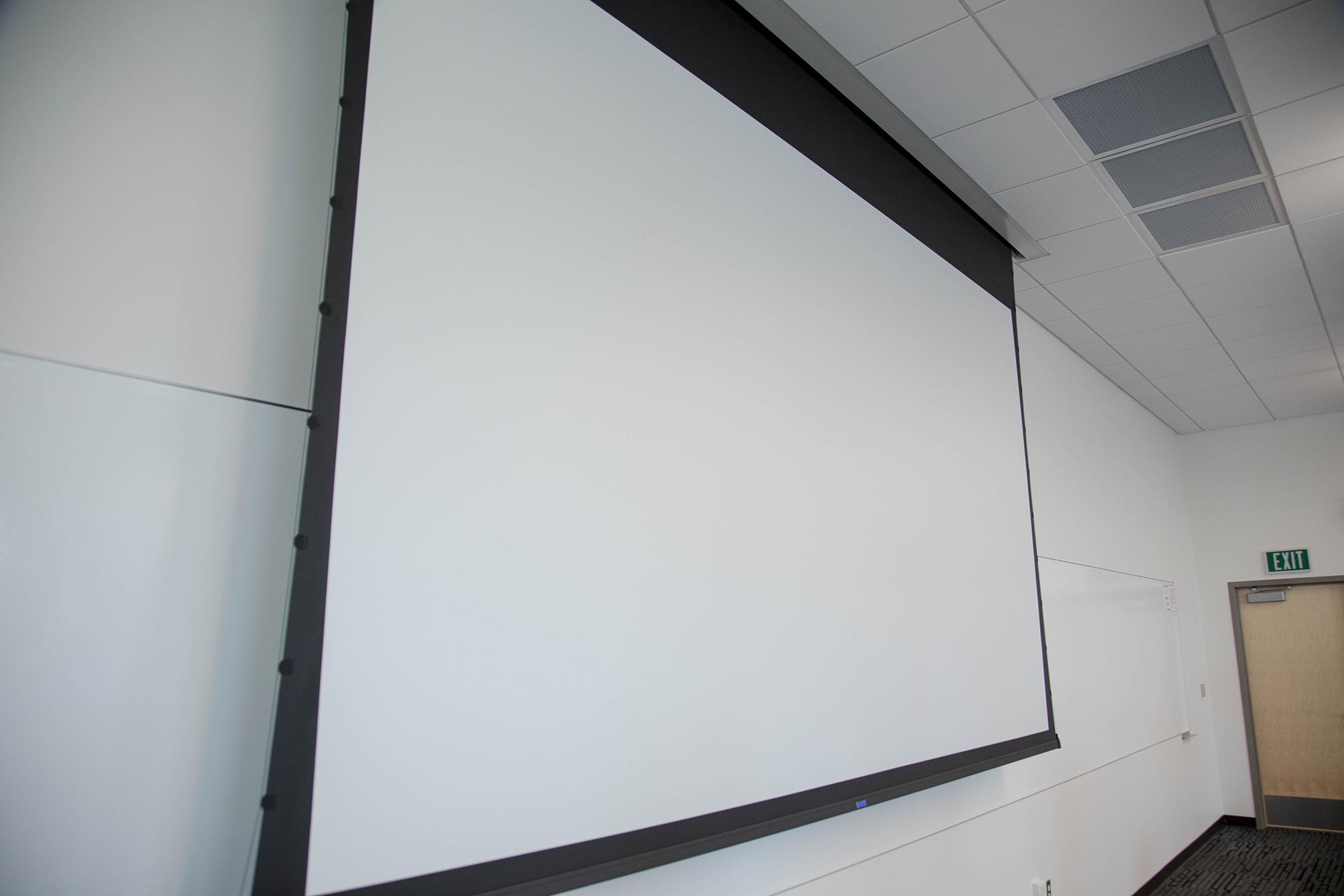 DCB 235 Projector screen
