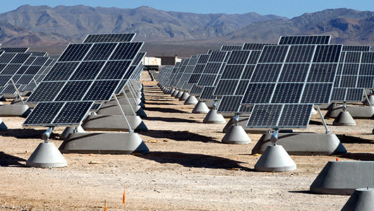 Solor panel farm in the desert