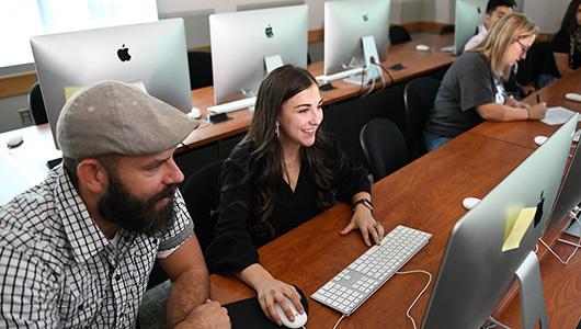 Dana Dollarhyde - WSU Tri-Cities digital technology and culture alumna.