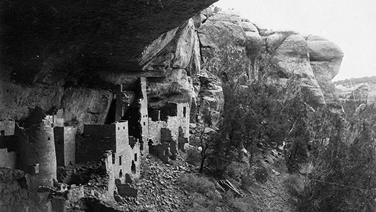 Cliff Palace of the Ancestral Pueblo people.