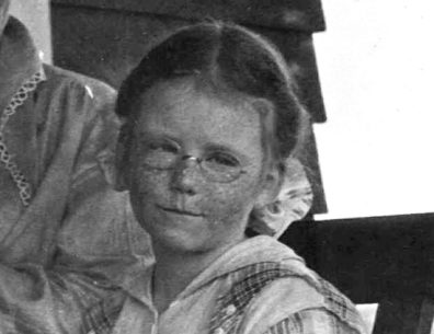 Photo of Jean Wright from 1918