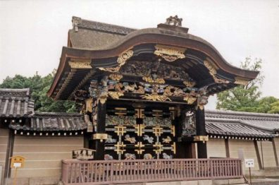 """KYOTO: Called """"all-day"""" gate because its profuse ornamentation could take all day to examine. May 24, 1998"""