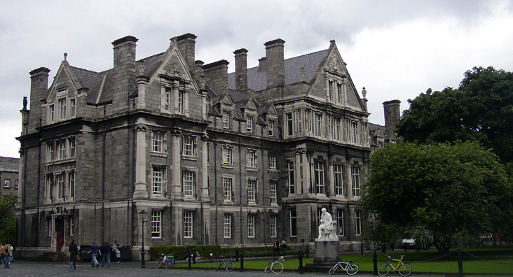 DUBLIN, TRINITY COLLEGE: The Graduates' Memorial Building (designed by Sir Thomas Drew, 1892).