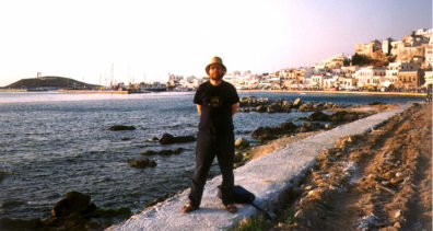 NAXOS: Paul in front of the harbor.