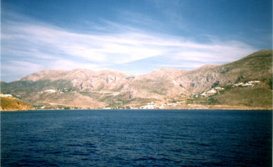 AMORGOS: Amorgos is the southernmost of the Cyclades; still very traditional, but beginning to be discovered by tourists, with the help of people like Catherine, who owns a house there. Most of the grass had turned brown by the time we arrived, but the hills were ablaze with flowering bushes. We stayed in the modest but pleasant seaside Lakki Hotel for five nights, getting acquainted with traditional Greek island life and enjoying the beaches.