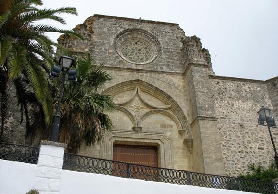 VEJER DE LA FRONTERA: The entrance to the church.