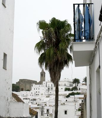 VEJER DE LA FRONTERA: In the distance, the church of Nuestra Se–ora de la Oliva.