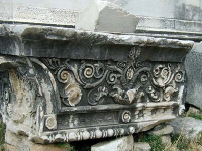 DIDYMA: Fragments of the ornate carving that once topped the walls now lie on the ground.