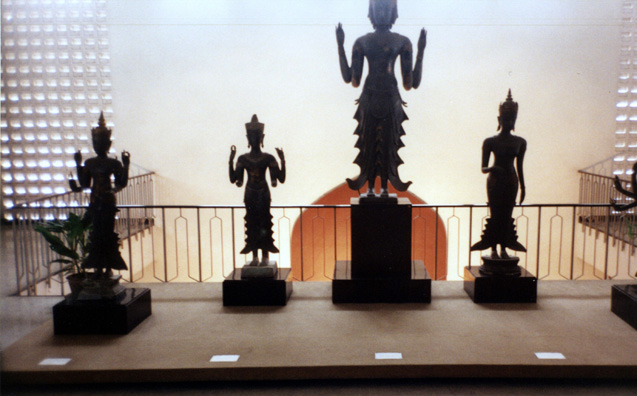 Bronze images displayed in the museum.