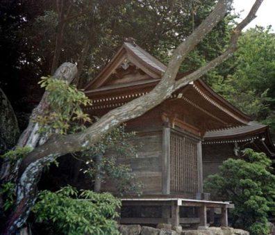 MIYAJIMA: One of several small shrines along the path up Mt. Misen, Miyajima Island. May 18, 1998