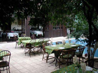 ANTALYA: Villa courtyard
