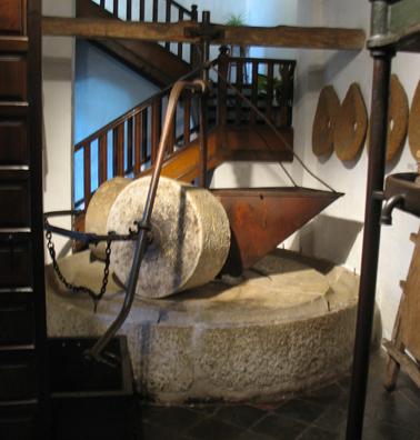 MALAGE: Olive oil press :In Museo de artes y costumbres populares, M‡laga.