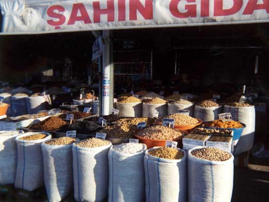 ANKARA: The market just outside the fortress gates.