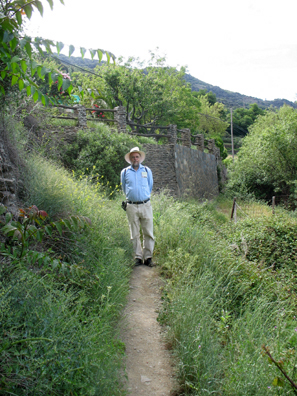 LAS ALPUJARRAS: We had come to Capileira to hike and relax, but we did better at the former, partly because we found the trails so obscurely marked we had trouble finding our way.
