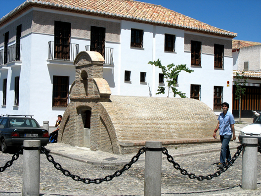 GRANADA: An ancient Moorish cistern in the Square of San Nicolás.