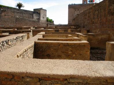 ALHAMBRA: Barrio Castrense, Alcazaba.
