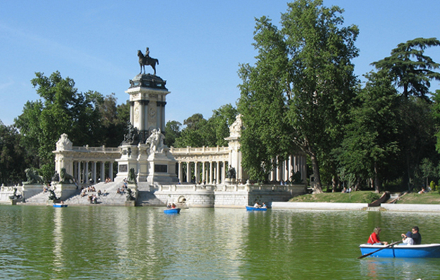 MADRID: But we enjoyed the monument to Alfonso XII on the Estanque (pond).
