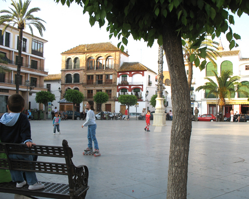 CARMONA: Carmona has a long history dating back to before Roman times. It is today a quiet and charming hill town which welcomes tourists but is not overwhelmed by them. In San Fernando square local adults gather to chat and children to play. Just beside it is the thriving local market.