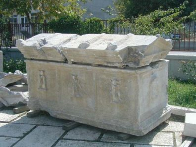 """ÇANAKKALE MUSEUM: The figures on this tomb are not angels, but Erotes (""""Cupids"""" in Latin)."""