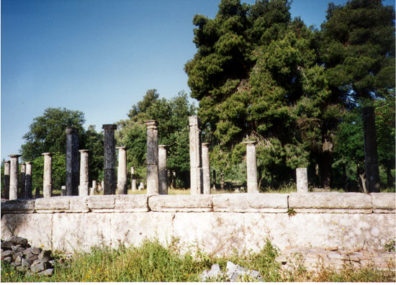 OLYMPIA: Intact columns at the site.