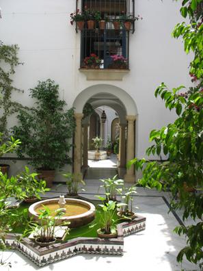 CORDOBA: More patios.