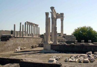 PERGAMUM ACEOPOLIS: At the top of the Acropolis is the imposing Temple of Trajan.