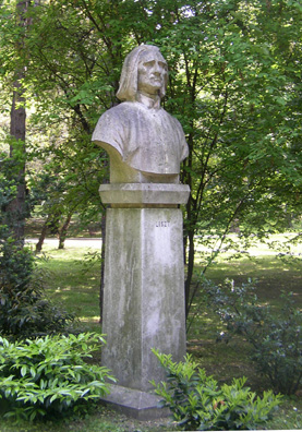 BUDAPEST: Of course Hungary's most famous composer is Ferenc (Franz) Liszt, and we saw several statues of him, like this on in the park on Margaret Island.