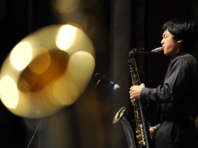 Stduent playing saxophone