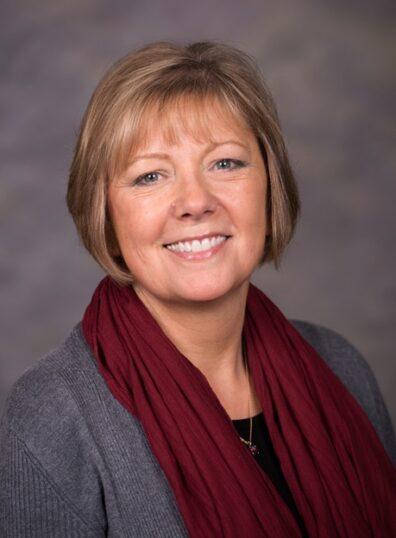 Wendy Peterson headshot