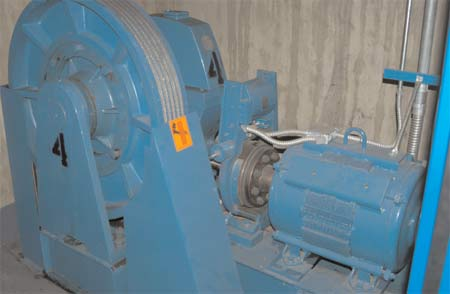 Elevator brake dust is controlled by its design