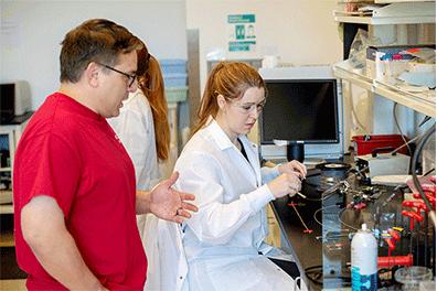 Frank and Ingiosi in lab
