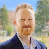 Andrew Larsen Headshot