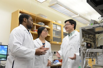 Yong Wang and colleagues in the lab