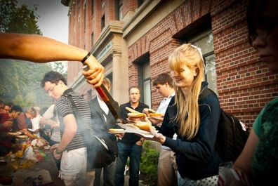 Students line up to enjoy an AIAS Barbecue