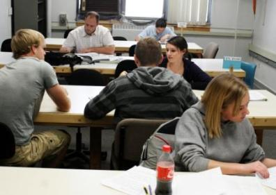 Students participating in the free tutoring program in Dana 134