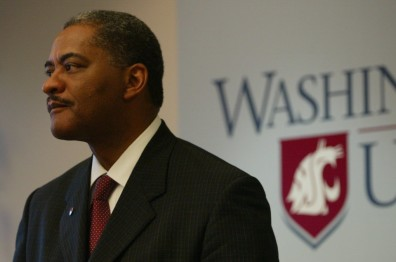 NEW WASHINGTON STATE UNIVERSITY PRESIDENT DR. ELSON S. FLOYD 121306  DR. Floyd meets the press in the campus' Western Washington  office.