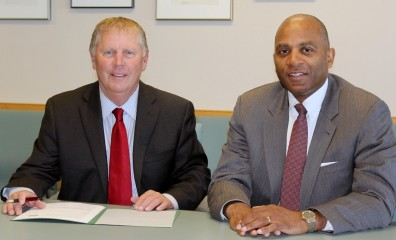 Everett Mayor Ray Stephanson and WSU NPSE academic dean Dr. Paul Pitre_lowres