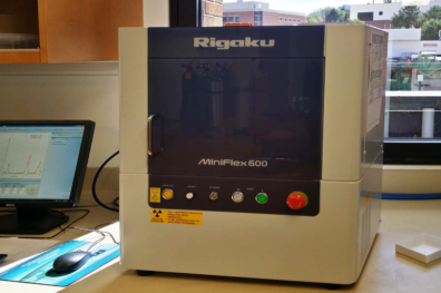 The Rigaku Miniflex 600 being used at the Surface analysis center.
