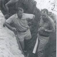 Richard Daugherty (l) and Roald Fryxell (r) during the field school trip to Marmes Rockshelter