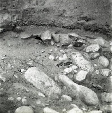 Area C, Find 404 in situ, 1967