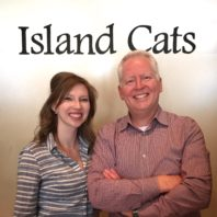 Veterinary student Kristen Ronngren with WSU alumnus Gary Marshall at Island Cats Veterinary Hospital