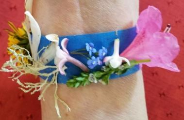 Tape bracelet with flowers