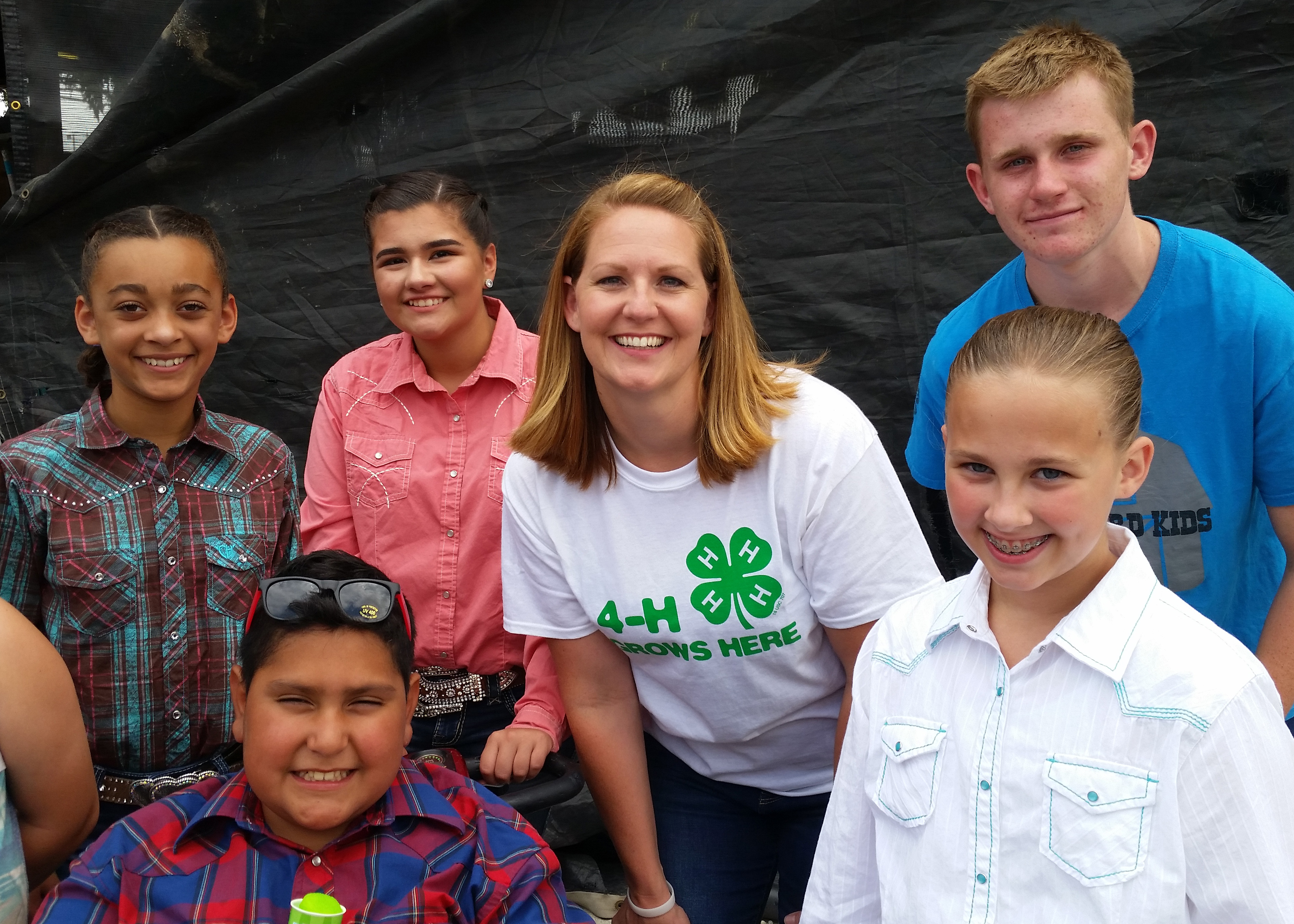 Natalie Stott and 4-H kids.