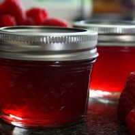 1/4 pint jars of raspberry jelly