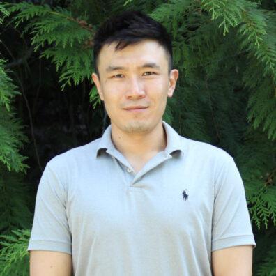 Yipeng Li.