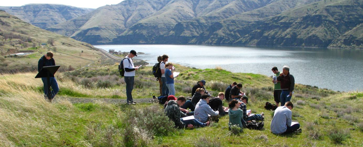 students near snake river