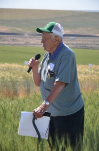 Bob Papendick speaking during his field tour stop.