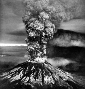 Mount St. Helens eruption May 18, 1980. Photo: USGS, public domain.